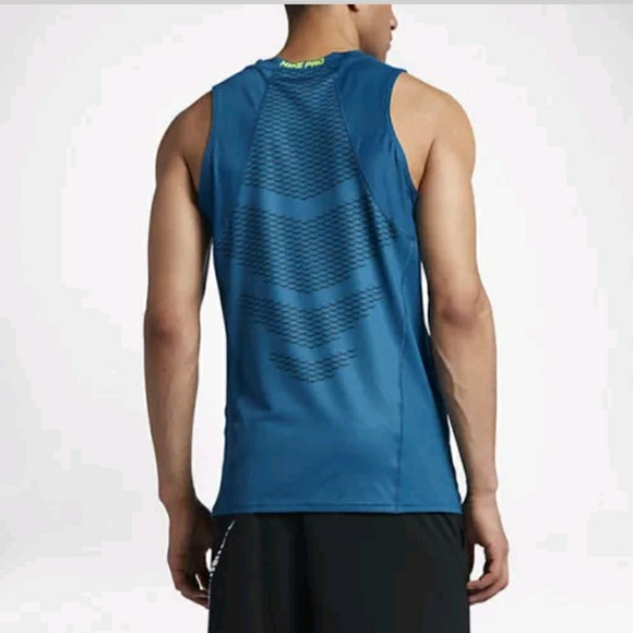 ec0bbba45fbd39 MENS NIKE PRO HYPERCOOL TRAINING TANK TOP